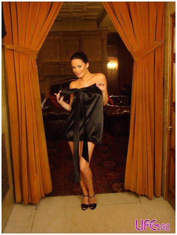 Итальянские страсти Астафьевой и основателя Playboy [10 фото]