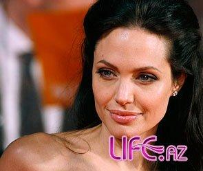 У Анджелины Джоли проблемы с фигурой