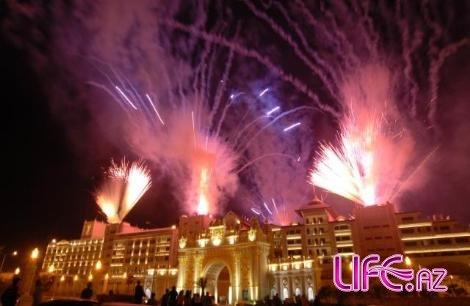 Русское СМИ об Азербайджанском миллиардере открывшего отель в Турции