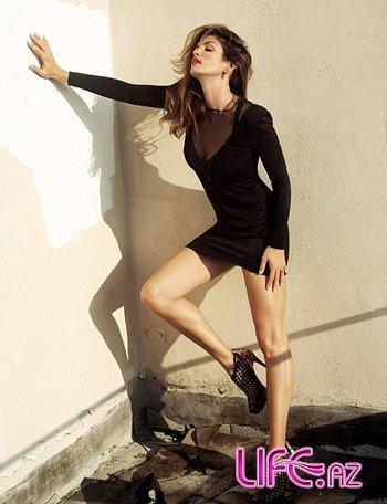 Знойная Синди Кроуфорд на обложке мартовского Harper`s Bazaar [5 фото]