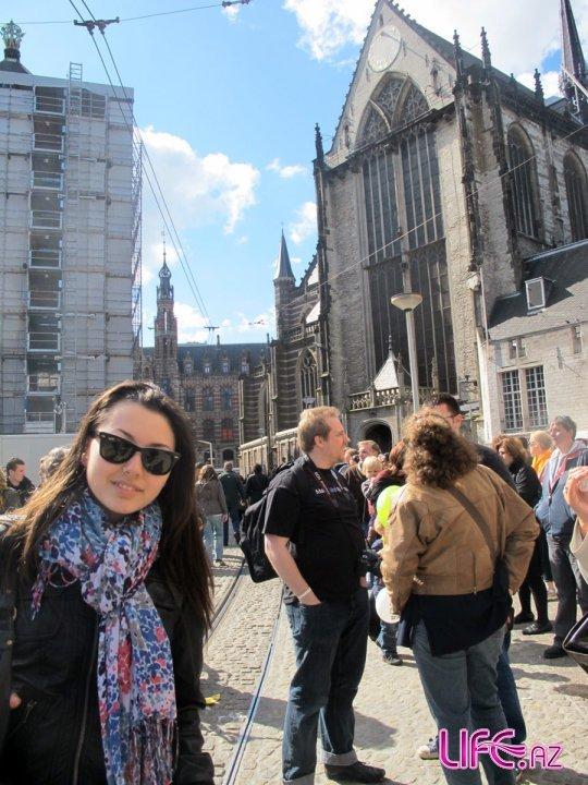 Сафура в рамках промо-тура посетила Мюнхен, Амстердам, Гамбурге и находится в Берлине [8 фото]
