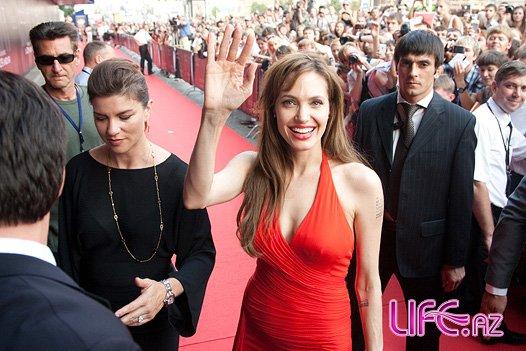 Анджелина Джоли может приехать в Баку