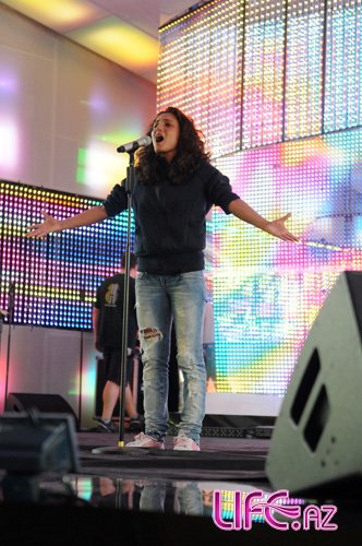 Азербайджанская песня впервые на Новой Волне [10 фото]