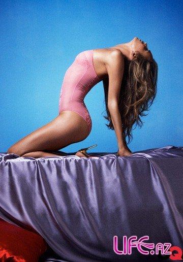 Девушка Криштиану Роналду в откровенном фотосете для журнала GQ Сентябрь 2010 [8 фото]