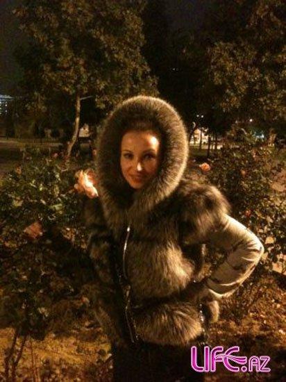 Анфиса Чехова приехала в Баку поужинать [3 фото]
