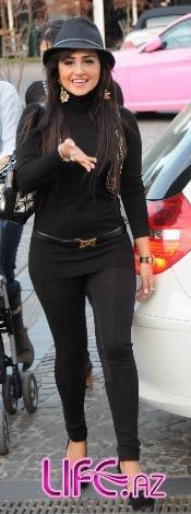 Азери кызы Гюнель отправилась на шоппинг на своем новом автомобиле[10 фото]