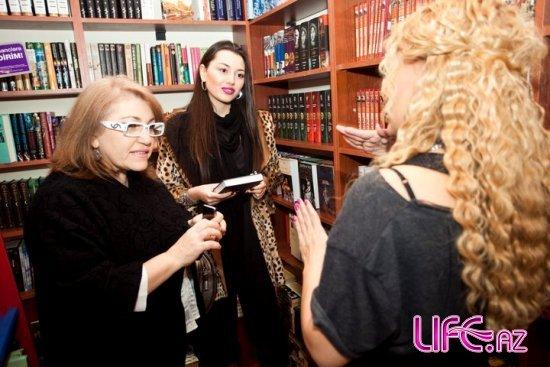 Сафура посетила акцию Нуры Сури [Фото]