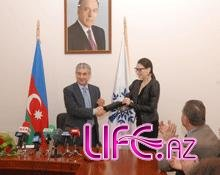 Представительница Азербайджана на «Евровидение-2010» Сафура вступила в ряды ...