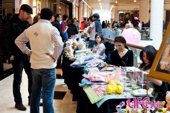 В «Park Bulvar» прошел благотворительный базар [Фото]