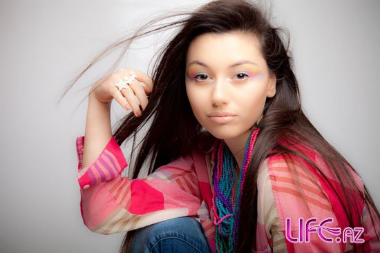 Сафура записала новую песню «Paradise» [Музыка]