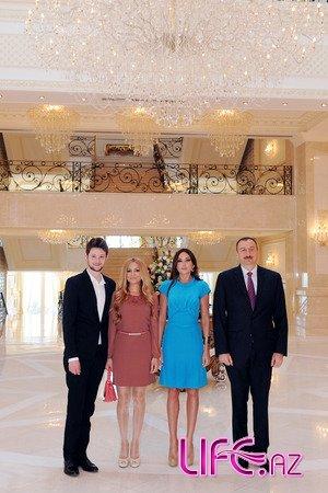 Президент Азербайджана и его супруга приняли азербайджанских представите ...