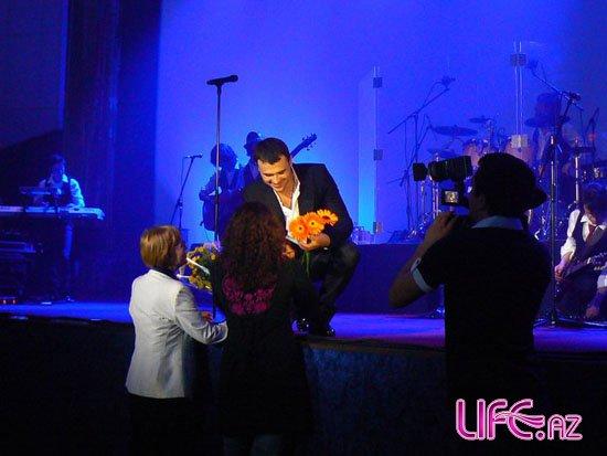 Эмин Агаларов выступил с концертом, посвященным Дню Республики [Фото]