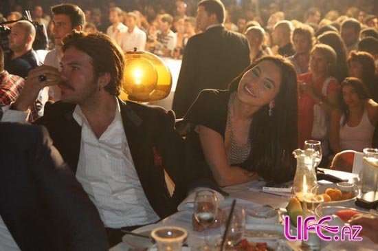 Модель Гюнай Мусаева вышла в свет с супругом [Фото]