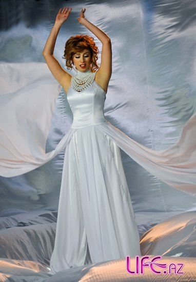 Роза Зяргярли сняла клип на песню «Eşqimin köləsi»