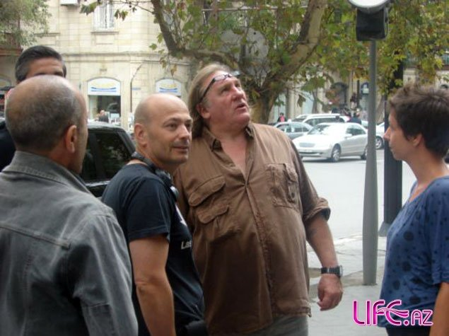 Французский актер Жерар Депардье приехал в Азербайджан