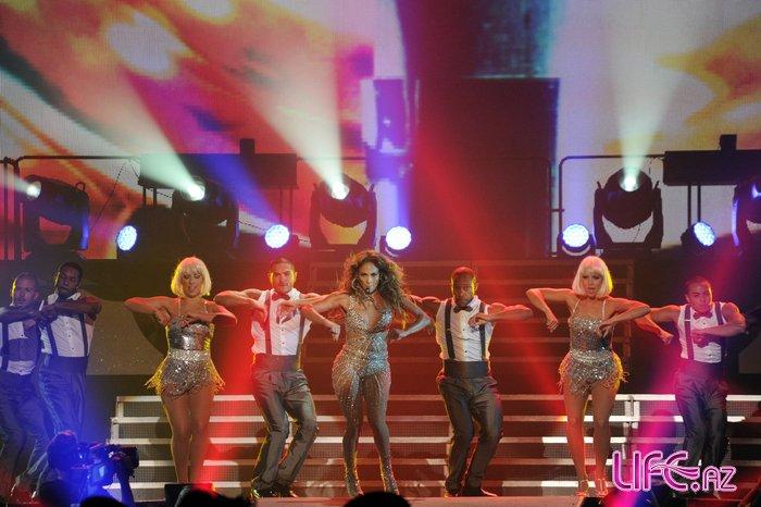 Всемирно известная певица Дженифер Лопес выступила в Crystal Hall Baku [ ...