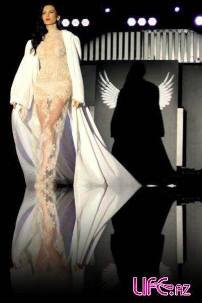 Модель Гюнай Мусаева на дефиле пикантными нарядами