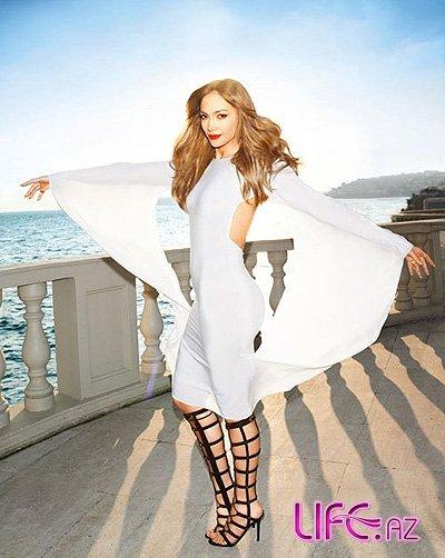 Дженнифер Лопес в Harper's Bazaar