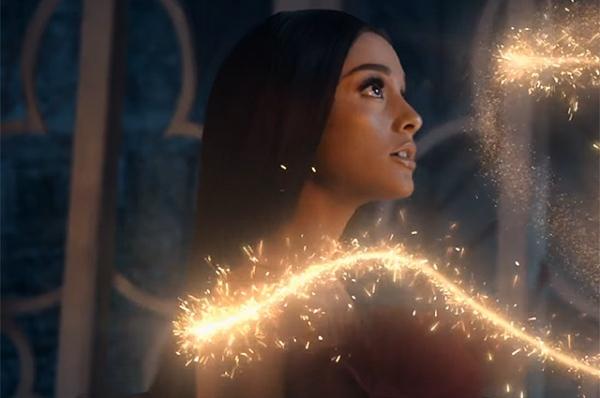 Ариана Гранде и Джон Ледженд представили волшебный клип к фильму «Красавица и чудовище»